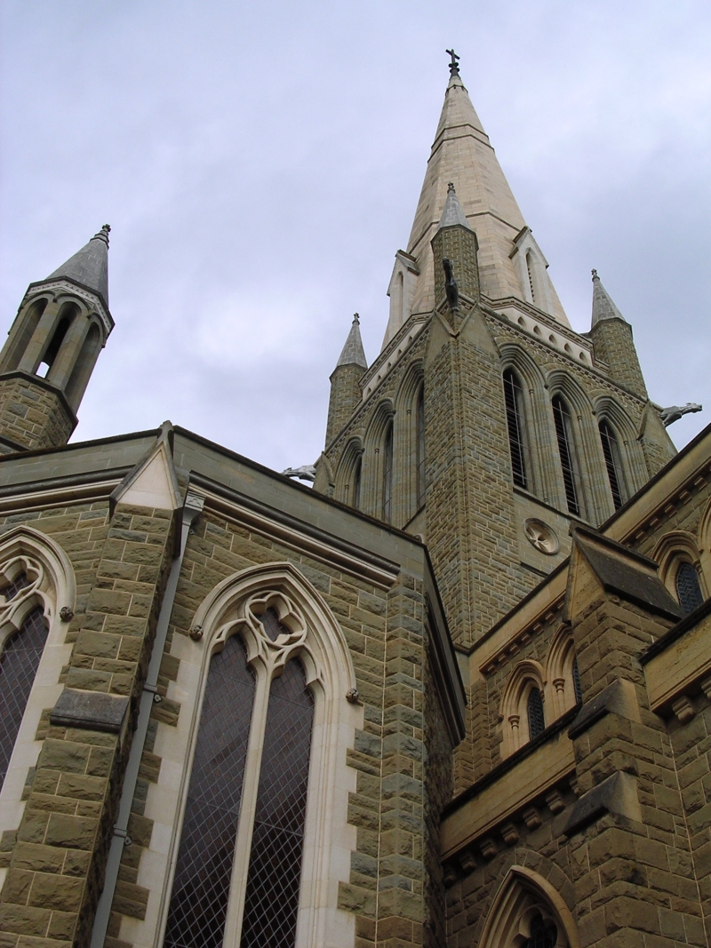 Sacred_heart_cathedral_bendigo.jpg